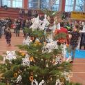 Weihnachtsbaumschmücken in der Niederlausitzhalle